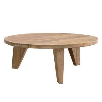 Soffbordet i teak från HKliving passar utmärkt när du vill skapa en rustik, lite bohemisk stil och en härlig loungekänsla. Bordet är tillverkat i återvunnen teak med en sliten vintagelook som ger det extra karaktär. Kombinera gärna flera olika storlekar och höjder för mer dynamik!