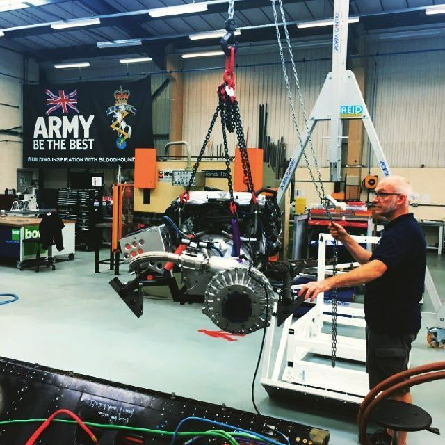 @bloodhound_SSC lifting their auxiliary power unit (a 550bhp @Jaguar Supercharged V8 engine) using one of REID Lifting's PORTA-GANTRYs #gantry #bloodhoundssc