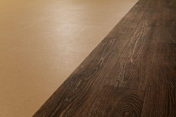 Debolon - podłoga winylowa połączenie skóry i drewna.