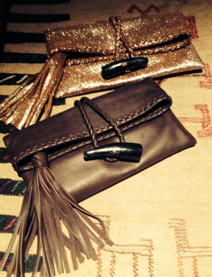 Choose the ideal clutch to hang out!!