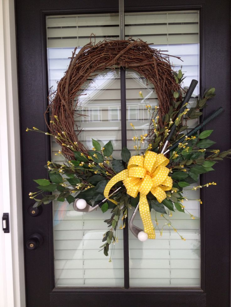 Master's Golf Tournament themed wreath(Please note, I have not made these items myself!)