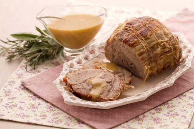 L'arrosto alla panna è un raffinato secondo piatto, un'alternativa originale al tradizionale arrosto.