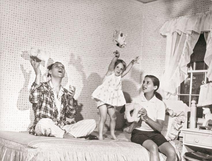 Martin Ginsburg, Ruth Bader Ginsburg, and daughter.