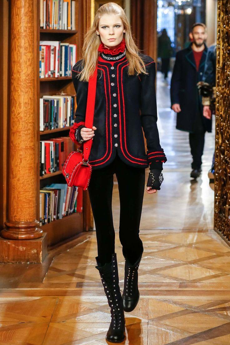 Chanel Pre-Fall 2015 Fashion Show - Alexandra Elizabeth