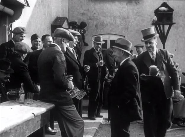 An online archive of films showing life in Britain in the 1930s and 1940s has been completed. | Online Film Archive Provides Fascinating Look At Life In Wartime Britain