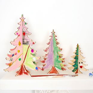 Crafty DIY Christmas trees  - New  #diyxmas #diychristmas #crafts #craftsforkids #kidscrafts #christmastree #christmasornament