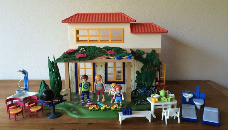 Playmobil 4857 SUMMER HOUSE Family Holiday Home Mini-Figures Bicycles Furniture #PLAYMOBIL4857SummerHouseFamilyHolidayHome
