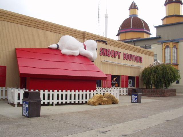 snoopy store cedar point | Cedar Point - Experience The Point