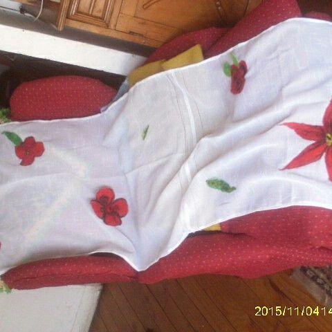 Pañuelo con aplicaciones flores de vellon