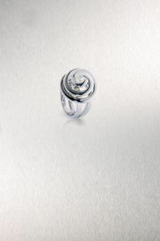 Abram Mathabatha made this platinum and diamond ring