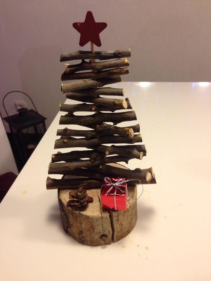 Kleiner diy-Weihnachtsbaum aus Holz