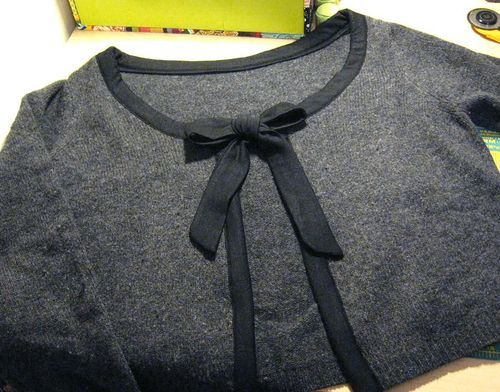 This is one of the simplest pullover-to-cardigan refashions I've seen. *Edit: Oh, no!  My link is busted!  Sorry, pinners.