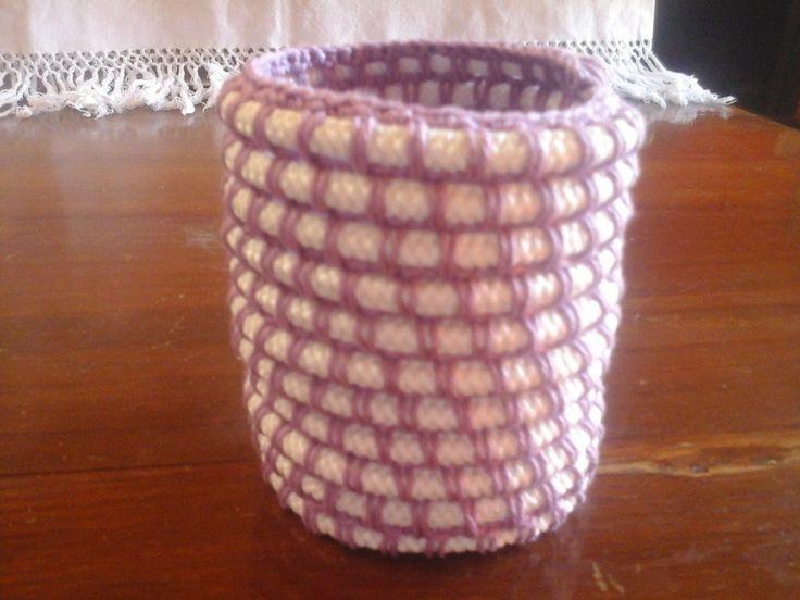 Cestino portapenne tondo in corda e filato di cotone , by Amo a Mano, 4,00 € su misshobby.com