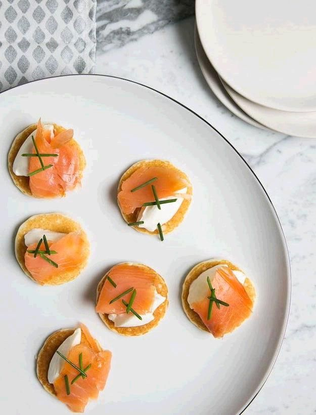 25 best ideas about smoked salmon blinis on pinterest for Canape toppings