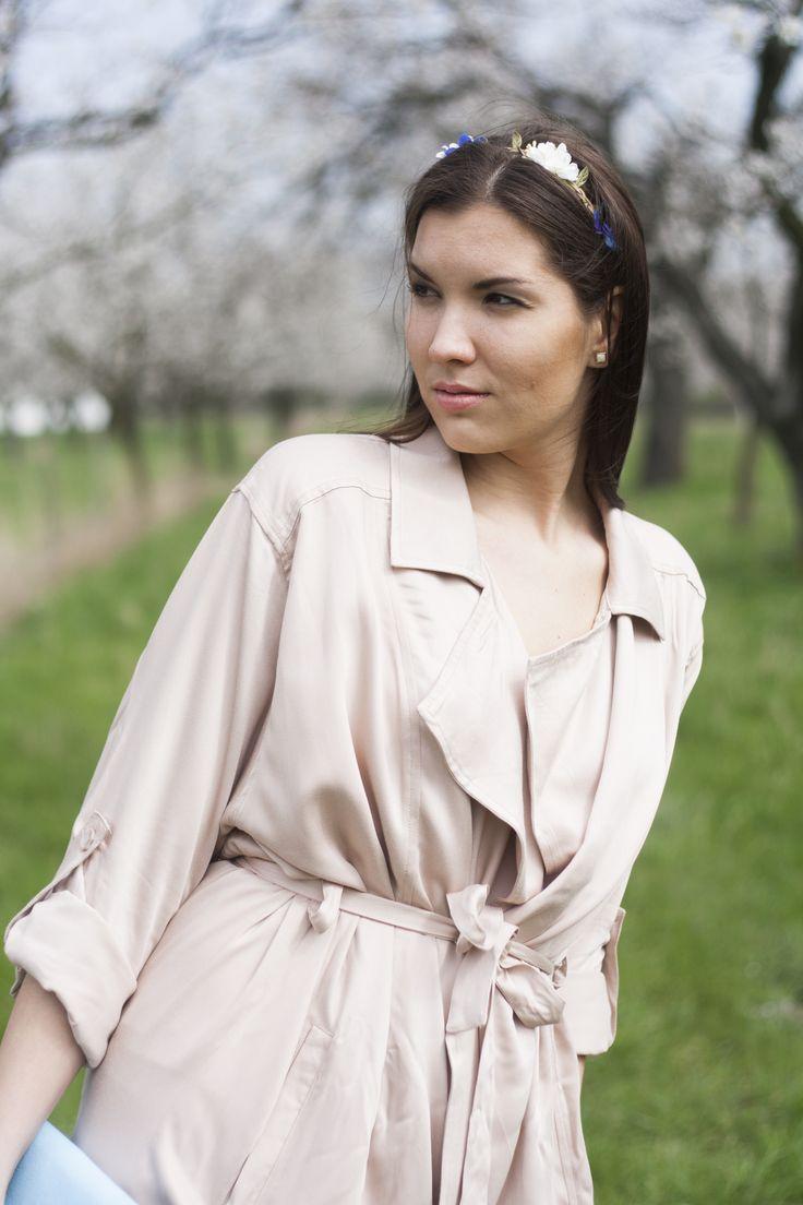 #fashionblogger #slovakblogger #flower #pinkmood #cute #slovakgirl #spring #springmood #headbands #pinktrenchcoat #trenchcoat