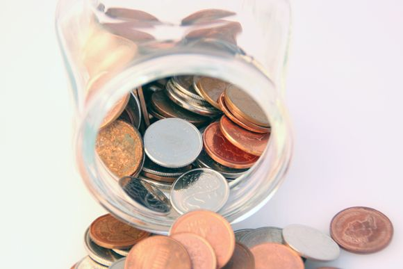 How to Take Care of Collectible Coins. The site, www.coincollectorguides.com is also about new and old coin collecting, coin value, coin collecting supplies, foreign coin collecting, coin collecting books, coin grading, coin collecting values, Bullion coins, Gold Bullion coins and much more.