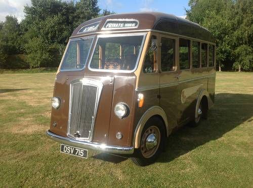 Morris 14 seat minibus (1949)