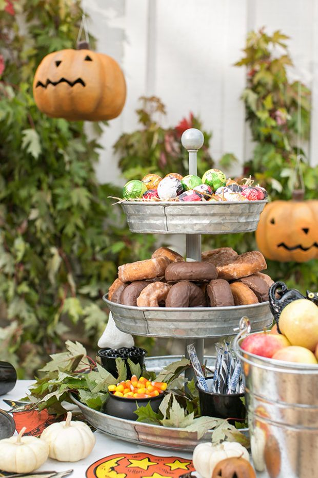 Eden Passante of Sugar and Charm shares how to throw a traditional Halloween party using vintage Beistle and traditional Halloween games!