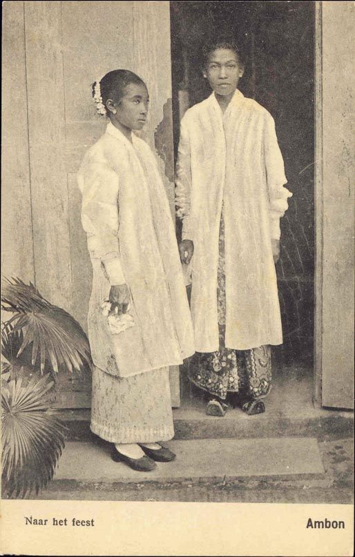 Two Ambonese ladies going to a party