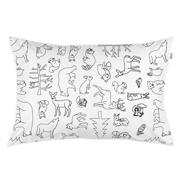 Animals love children and children love animals. Now your little ones can sleep with all their friends with this gender neutral pillowcase. To find this search Burrow and Be Woodland on dtll.com.au (link in profile) #animals #print #kids #pillowcase #pi