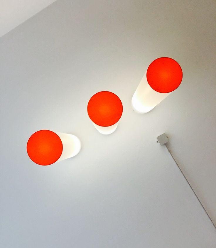 werbeagentur [raster]fabrik, style, orange, perspektivwechsel, leuchten, von unten