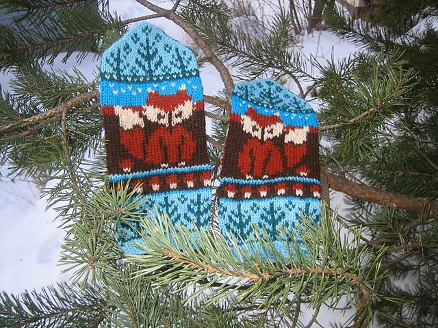 Ravelry: Foxes Mittens pattern by Natalia Moreva