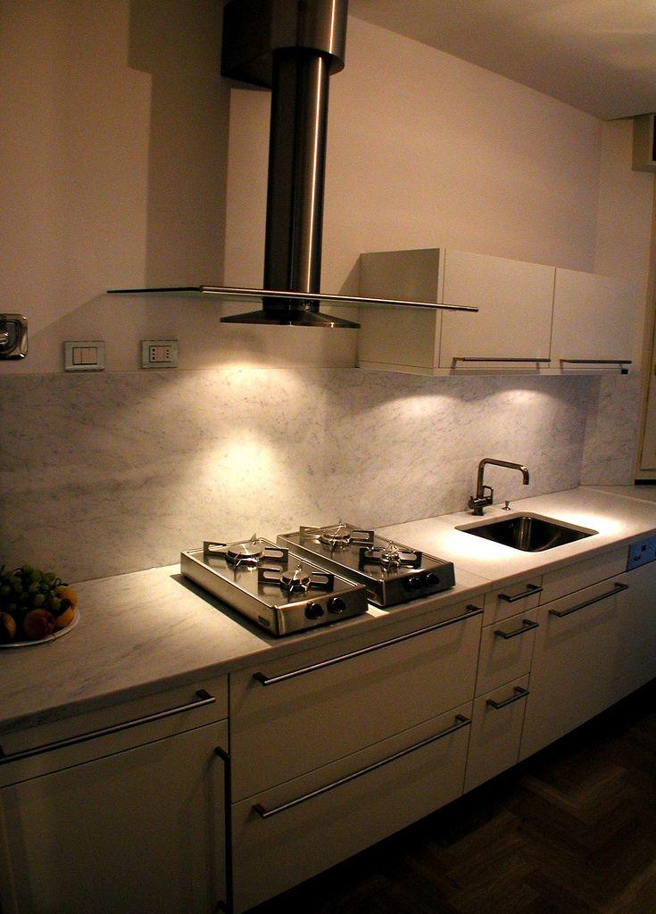 17 migliori idee su cucina in marmo bianco su pinterest for Migliori piani di cucina