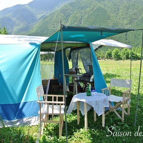 🕊 ・ bonjour❕ ・ 新緑の季節が恋しくなってきました🌳 ・ 皆さん今年のGW予定立てているみたいですが、ウチは相変わらずノープランです😄 ・ いや、今年こそは二階の子供部屋を作らなければいけないんです😩 ・ キャンプ道具の居場所に困ってます。。。 ・ #妄想キャンプ #ふもとっぱら#コットンテント #ビンテージテント#ロッジテント #ラクレ #マルシャル #ソレイアード #souleiado #outdoor #camping #vintagestyle #garden_styles #bluelove #bluelover