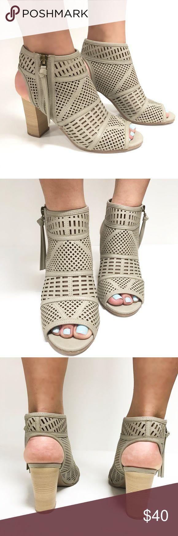 1000  ideas about Cream Heeled Sandals on Pinterest   Kitten heel