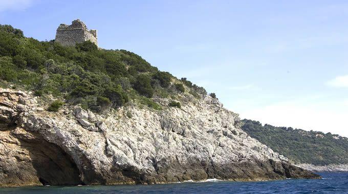 Torre di Cala Moresca