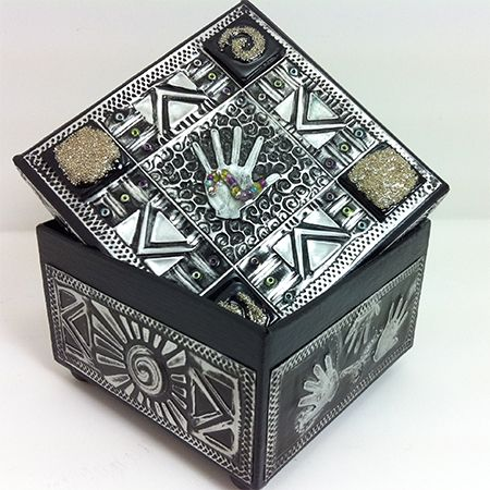Don't throw away aluminium cans... turn them into trinket boxes, wall tiles and more. If you live in a region where recycling hasn't yet bec...