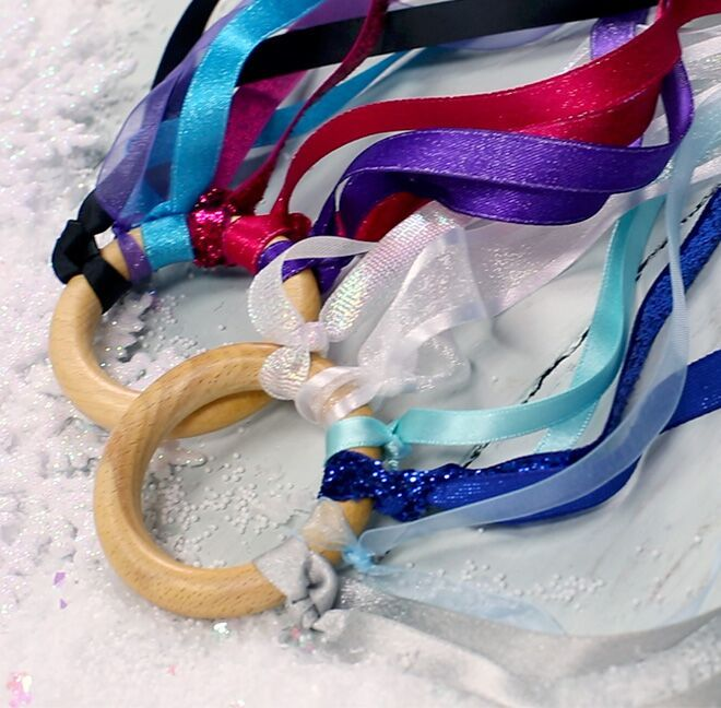 Elsa and Anna Dancing Ribbons
