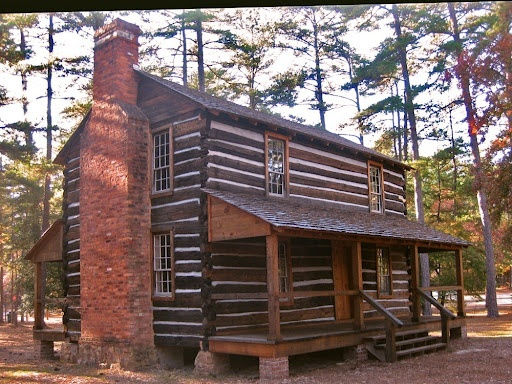 65 best 1700 39 s colonial houeses images on pinterest for Colonial log homes