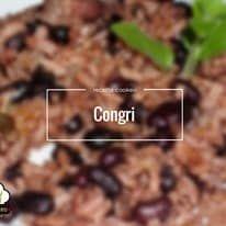 Le congri est un plat cubain. Il est composé de riz et de haricots noirs préparés ensemble dans une même casserole. À Cuba, on les laisse tremper toute une nuit dans une casserole pleine d'eau, ce qui facilite la cuisson. On les prépare dans une cocotte minute, tout d'abord pour les ramollir, puis on ajoute...Lire plus