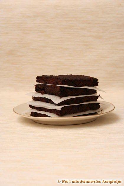 Kókuszos brownie cukkinivel (gluténmentes, tejtermékmentes, cukormentes)