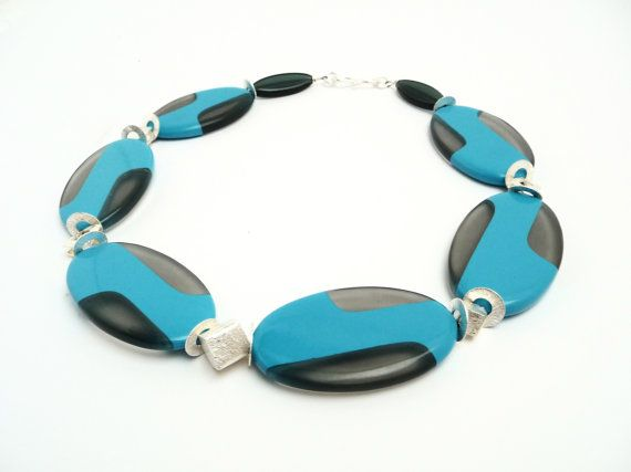 Hey, I found this really awesome Etsy listing at https://www.etsy.com/se-en/listing/484566573/necklace-retro-bakelite-handmade-germany
