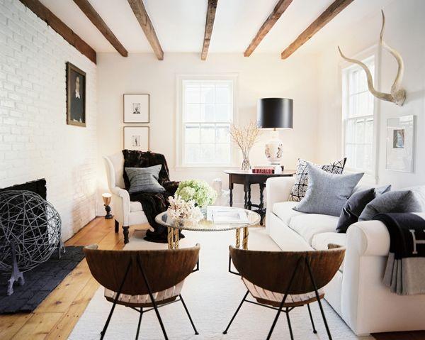 Cozy living room furniture arrangement.