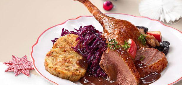 Gänsebraten, Rinderbraten, Rehrücken oder Kartoffelsalat - entdecken Sie die typischen Weihnachtsessen und die passenden Getränke zu Weihnachten
