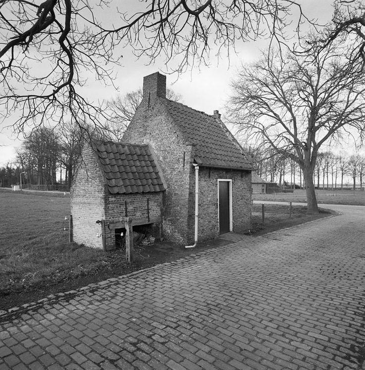 Princenhage, boerderij aan de Sprundelse Baan 60; bakhuis