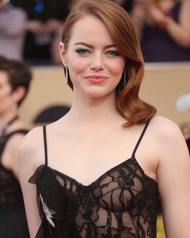 Emma Stone  2017 Screen Actors Guild Awards in Los Angeles #wwceleb #ff #instafo…