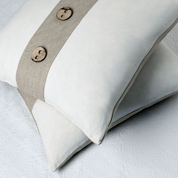 fun accent pillow inspiration / love the buttons / can add pattern on outer edges (where it is currently white)