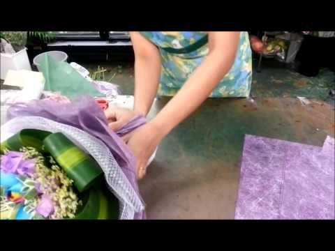 Флористика для начинающих: как составить и упаковать чудесный букет своими руками (мастер класс). - YouTube
