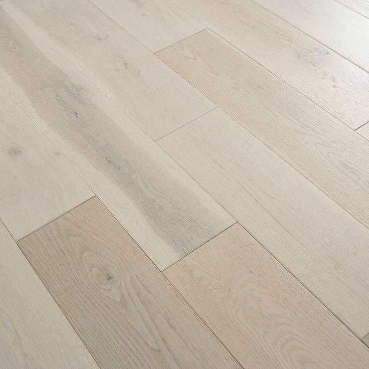 Masivní dubová podlahová prkna s  povrchovou úpravou : WHITE OLEJ http://podlahove-studio.com/prkna/1174-white-dubova-masivni-podlaha-olejovana.html