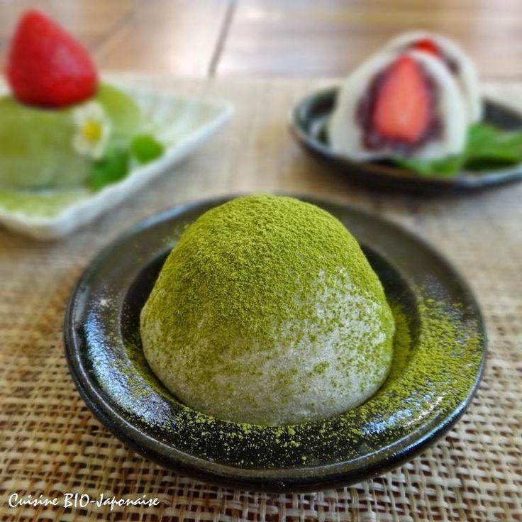 Matcha Ichigo Daifuku (gâteau de riz gluant au thé vert)