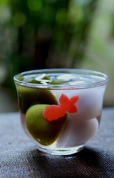 正庵(しょうあん)松屋銀座店 の水まんじゅう「きんぎょ」。Mizu-manjyū (sweets made from kudzu starch/ arrowroot powder) in a ljght syrup titled 'Kingyo' (goldfish) from Shōán, Matsuya Ginza Branch, Tokyo.