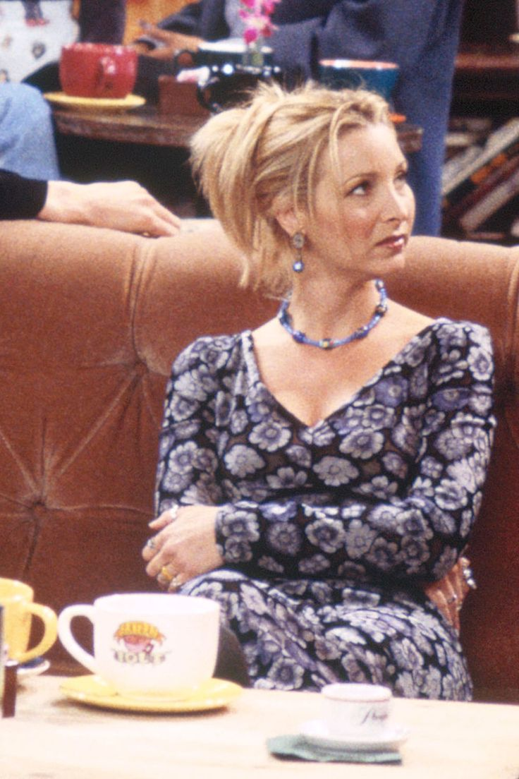 "40 Kooky Phoebe Buffay Fashion Moments You Forgot You Were Obsessed With on ""Friends"" - Cosmopolitan.com"
