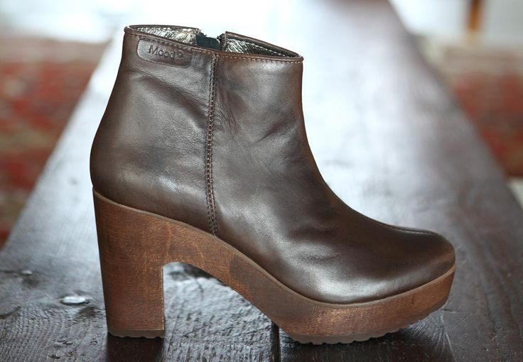 Homepage - Moodshoes - Produzione e vendita scarpe donna comode ed eleganti , stivali , stivaletti , decoltè , sandali. Scarpe estive ed invernali