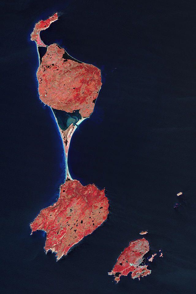 Vue satellite des îles de Saint-Pierre et Miquelon. ◆Saint-Pierre-et-Miquelon —…