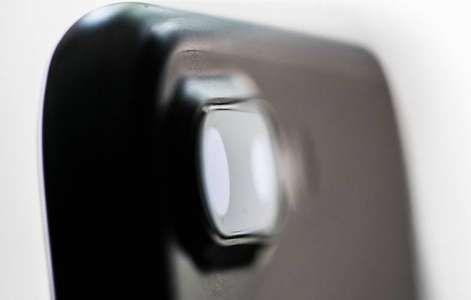 Iata cum faci zoom mai mare in timpul filmarilor facute cu iPhone (VIDEO)