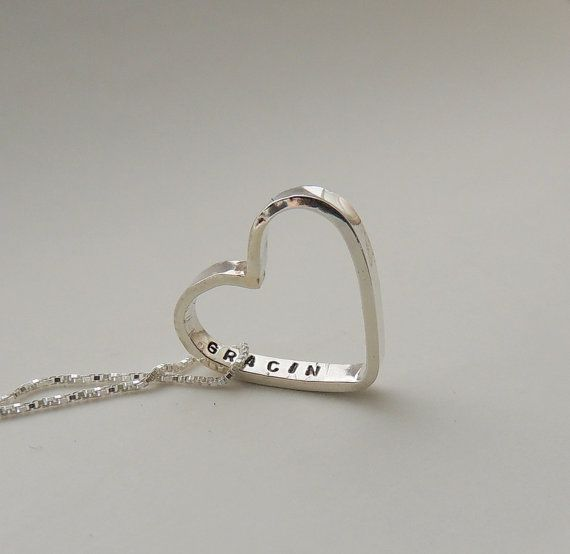 https://www.etsy.com/pt/listing/63173219/heart-necklace-handstamped-personalized?ref=favs_view_10